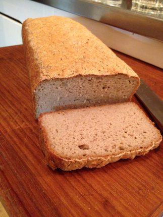 Matbröd på bovete, quinoa och durra men utan mjölk och gluten